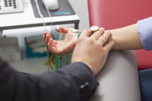 Messung der Nervenfunktion an der Hand (NLG)